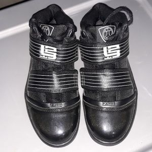 Nike lebron zoom excellent shape size 6